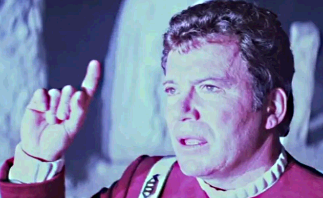 James Kirk interpela Deus